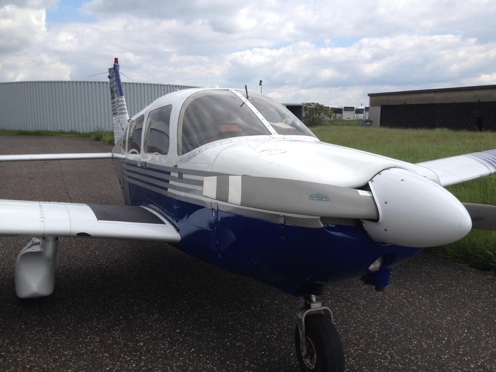 Piper PA-28 Archer von Vorne