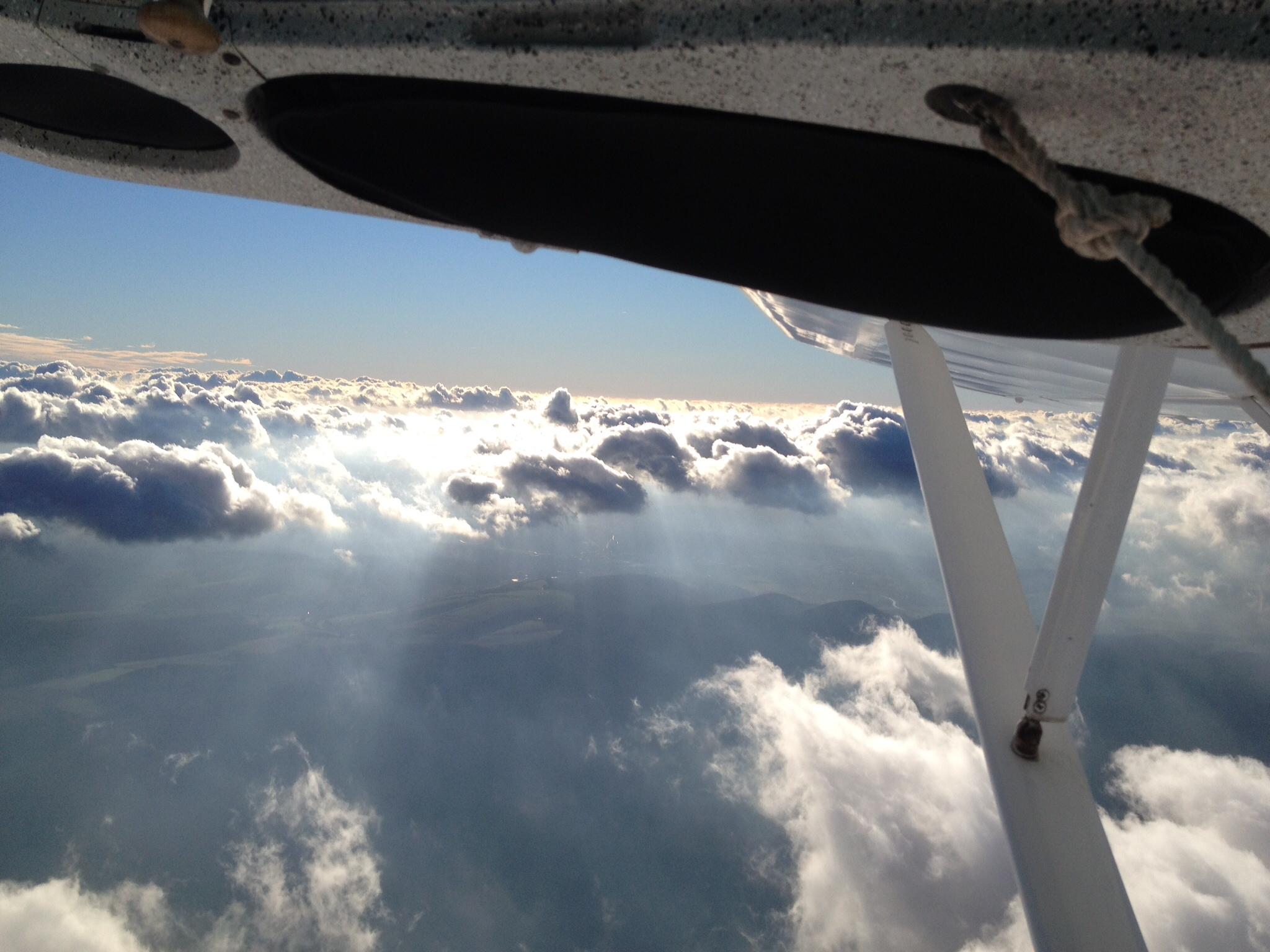 Darf man in einer Remos während des Flugs die Tür öffnen?